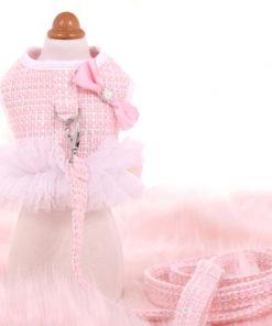 coleira peitoral em tweed rosa com guia