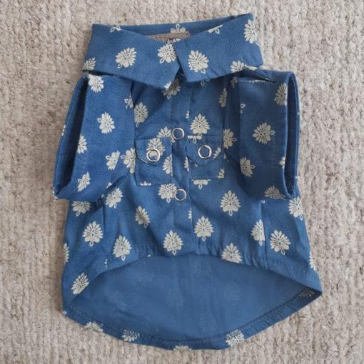 camisa para cachorro folhas