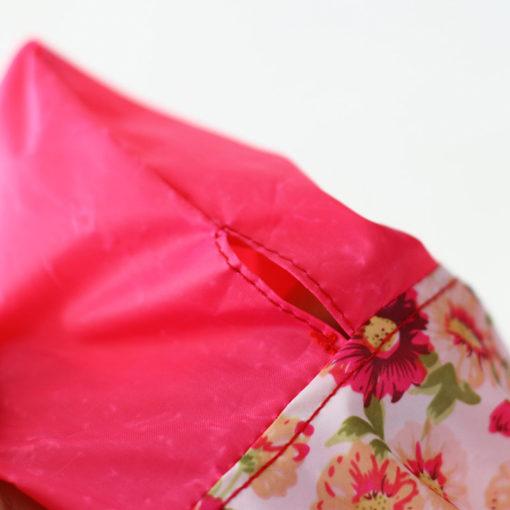 capa de chuva rosa para cachorro