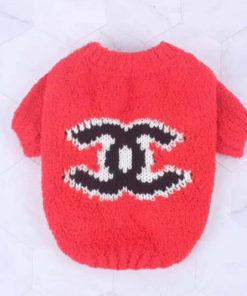 pullover vermelho fofinho de lã