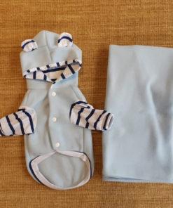 casaco azul bebê com cobertor para cachorro