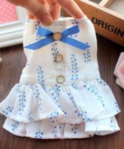 vestido branco e azul para cachorro